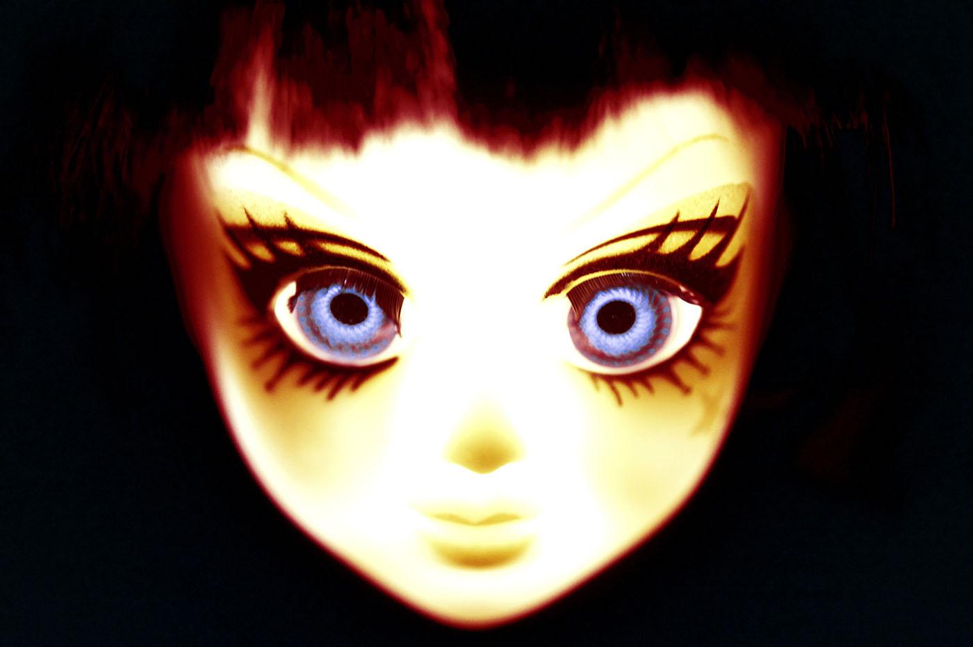 Claude Estebe - Radium Girl